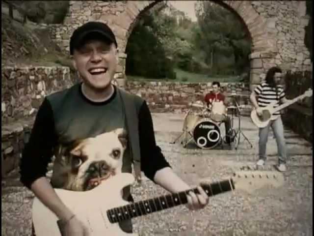 """Videoclip oficial de la canción """"Esperpento"""" de Luter."""