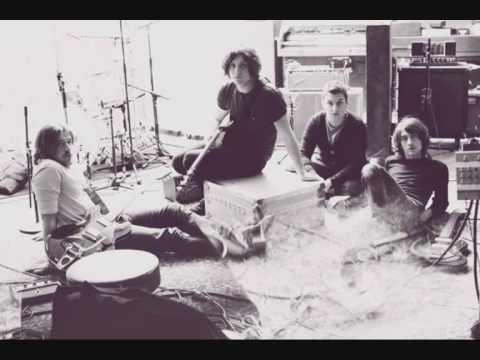 arctic-monkeys-crying-lightning-acoustic-scoob505