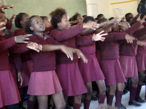 Xhosa kids sing and dance at Bulugha Farm School