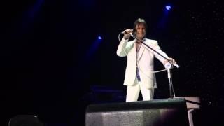 """Roberto Carlos interpreta """"Emoções"""" no Recife"""