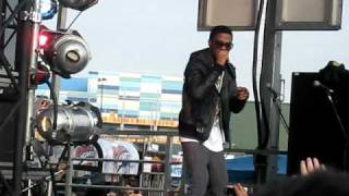 Kid Cudi - That New New LIVE @ Bamboozle 2009