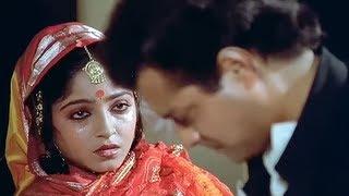 Nadiya Ke Paar Best Emotional Romantic Scene - Sachin width=