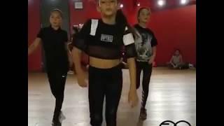 niñas bailando despacito💖💖💞