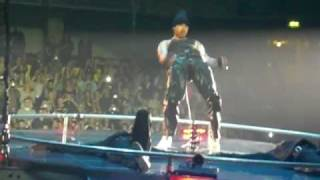 chris brown live in manchester with rihanna