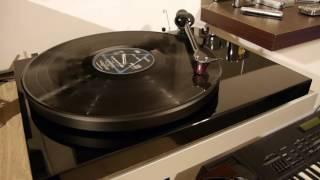 Pink Floyd - On The Run  (1973) .