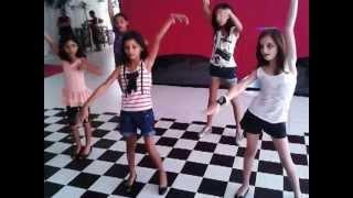 Gabriely Barros dançando Anita aniversário 10 anos