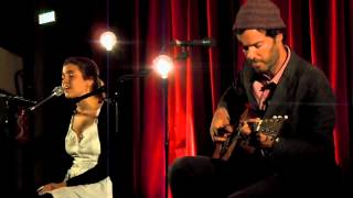 Dom La Nena feat Piers Faccini - Morena Do Mar Live in Paris 2012