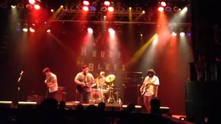 Pow Wow Now - Hombre Lobo en Paris live