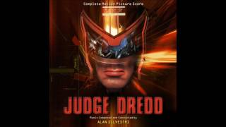 Judge Dredd (OST) - Fight On Liberty Statues Head