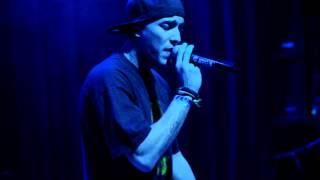 Kinky Bwoy (LIVE ZION SOUND 2011)