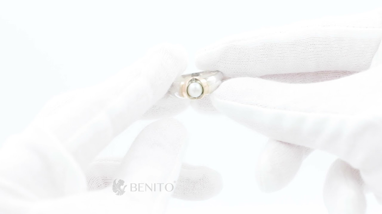 Licia Ring White Pearl