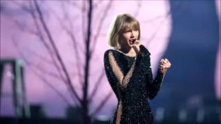 Taylor Swift Opens Grammys With 'Out of the WOODS'