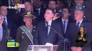 Presidente Bolsonaro participa de comemoração do dia do Exército