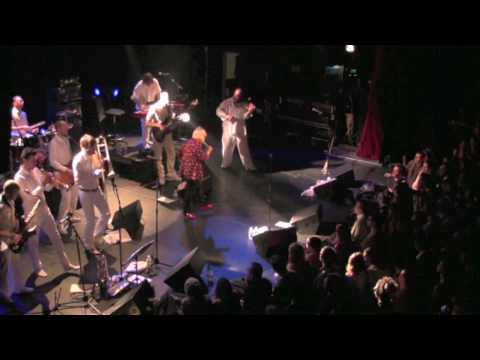 alice-russell-seven-nation-army-live-in-paris-2009-alice-russell