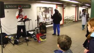 Verbal Ase  Human Beatbox (vocal percussion) at NYC Subway Station