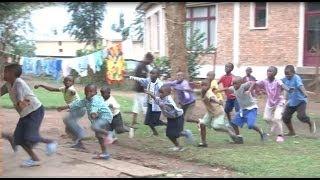 Crianças africanas encantam o mundo com música e dança