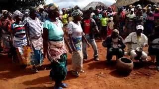 Danca tradicional no Chapala   Alto molocue