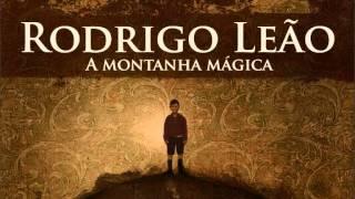 "Rodrigo Leao feat.Thiago Pethit - ""O fio da vida"""