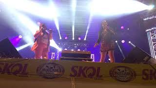 Maiara e Maraisa lindas dançando funk em Vaquejada de Serrinha Ba