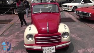 Expo de autos clásicos en la Ciudad de México.