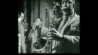 The Night Has a Thousand Eyes - HQ Audio - Roy Esteven - Saxophone