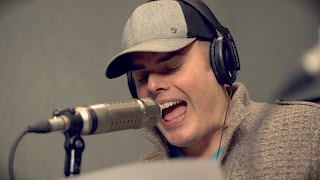 Wally Takes On Marc Martel in Christmas Karaoke Impressions