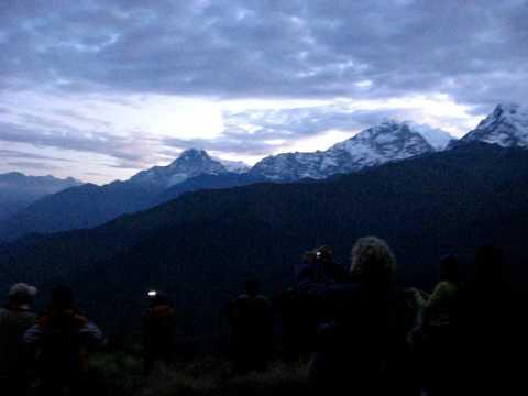 Встречаем рассвет на Пунхил (Непал).Часть 1.AVI