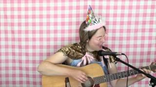 HAPPY BIRTHDAY ELIZABETH! Sparkles, Kittens and Tiaras!