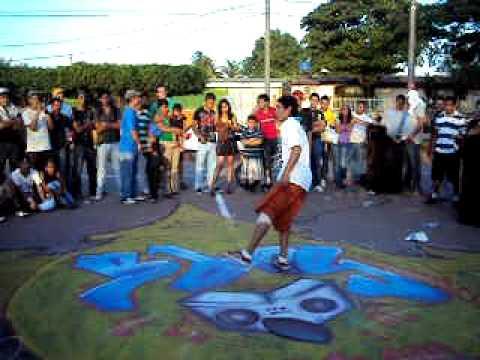 Escena bboy Nicaragua- Eliminatorias Nica Killed The Beat 2011 -Bboy-Charlee Vs Bboy-King