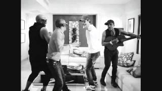 Enrique Iglesias - Bailando (Español) ft. Descemer Bueno, Gente De Zona Bailando Letra 2014