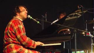 Chilly Gonzales (live @ Field Day Festival 2010)