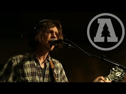the-districts-hounds-audiotree-live-2-of-5-audiotreetv