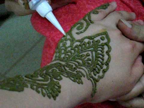 ヘナ (Henna Tattoo)
