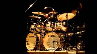 Simon Phillips ClinicTour 2008 - Brazil - Video 4 - drum solo