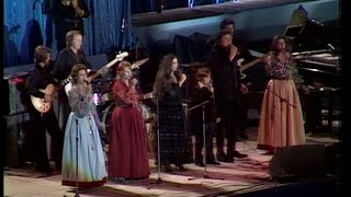 Johnny Cash,John Carter Cash and The Carter Family -  Wabash Cannonball (Live in Prague)