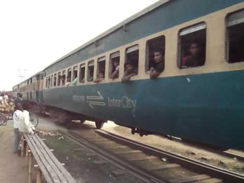 Bangladesh Railway 755 Up Madhumati ICE and Rajbari-Medinipur Special Train.mp4