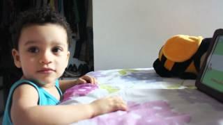 IAN - 1ano e 9 meses (cantando Olha a bola Manel)