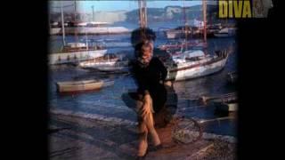 16 - ' Adeus Aldeia ' - Amália Rodrigues