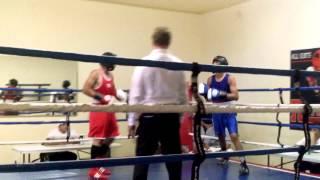 Santa Ana boxing Alex martínez in blue