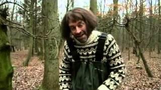 Martin Brygmann som Naturmanden på jagt efter amoskerettignokken!