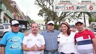 En campaña, con Paola Holguín, Juan Espinal y compañeros del grupo.