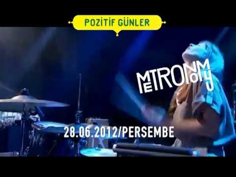 Pozitif Gunler-Two Door Cinema Club & Metronomy @ Küçükçiftlik Park, Maçka