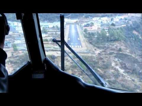 Landing in Lukla – Tenzing Hillary Airport Nepal. Landung auf den gefährlichsten Flughafen der Welt