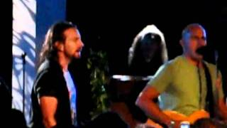 Kelly and Eddie Vedder 06