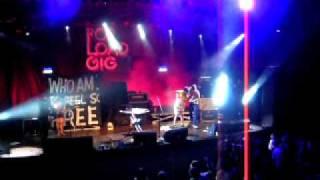 MEN, Who Am I to Feel So Free, Live at Circo Voador, 12.06.10