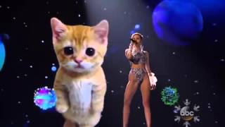 Miley Cyrus - Wrecking Ball (Live) AMA 2013