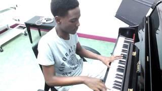 Stacy feat JmaX - Laisse-Moi T'aimer [au Piano] - Evens Venvens