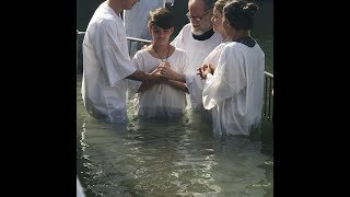 Filho de Ana Paula Valadão, Isaque é batizado no Rio Jordão ! Emocionante