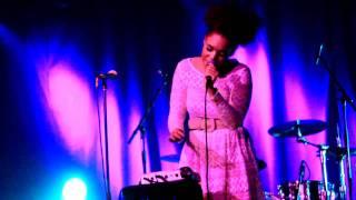 Andreya Triana - Moondance (Van Morrison)