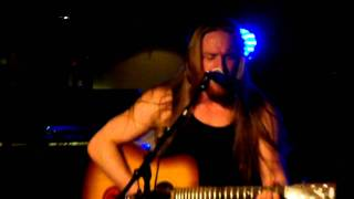 Stormheit (solo acoustic): Descending Angel (Misfits-cover) live in Nuclear Nightclub